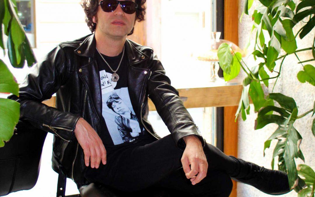 CIRILO  Compositor, cantante y guitarrista,