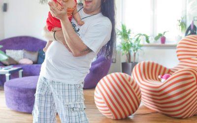 ¿Contratarías a un hombre para cuidar a tus hijos?
