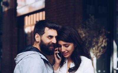 ¿Puedes ir a la cárcel por espiar el móvil de tu pareja?