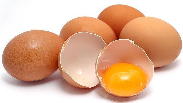 ¿Por qué hay que guardar los huevos en la nevera si en el supermercado están fuera? (Excepto en Estados Unidos)