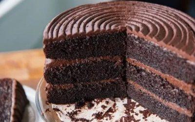 Prepara un rico y muy esponjoso pastel de chocolate ¡Sin harina ni huevos!