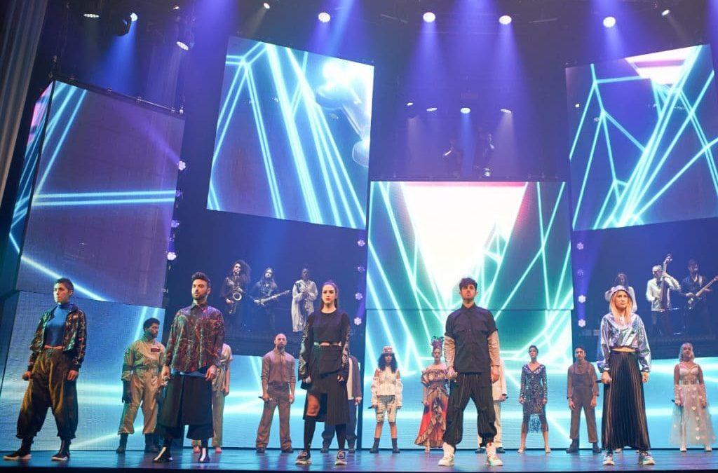 Ya en Madrid el espectáculo musical Cruz de Navajas, el mayor homenaje a Mecano